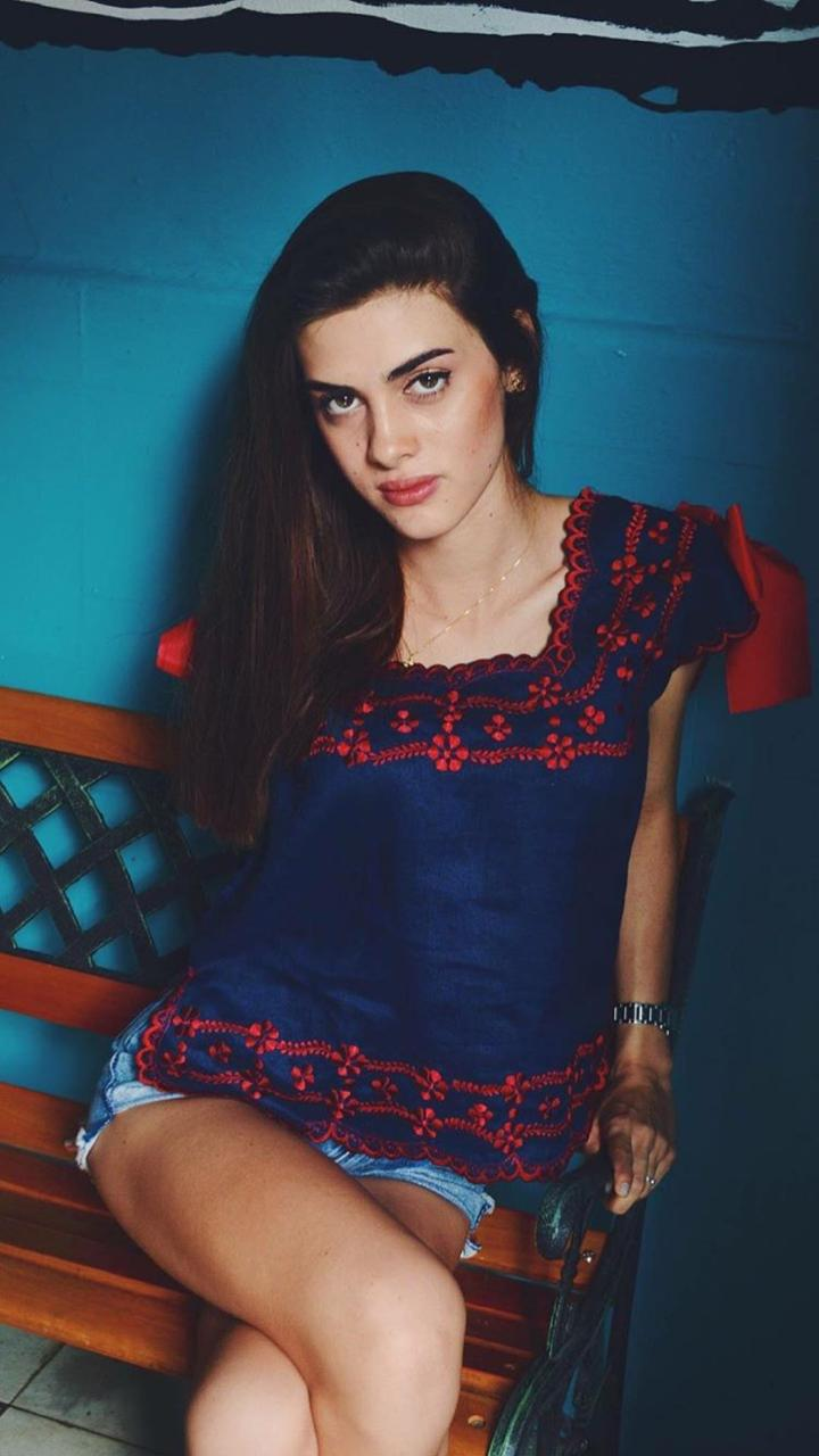 Azul Marino con rojo